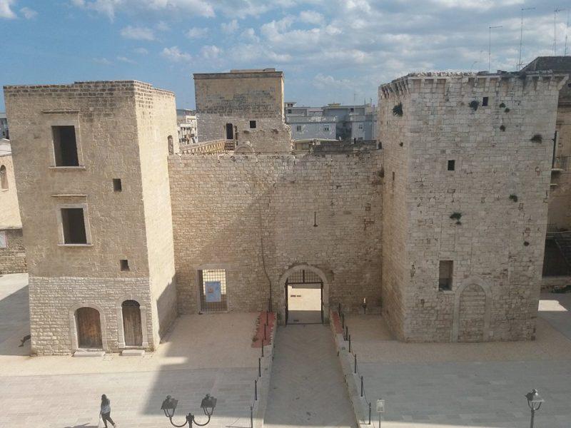 """Bisceglie (BA) – La Puglia e la donna, Pro Loco e Castello di Bisceglie presentano """"Ricomincio da 16"""""""