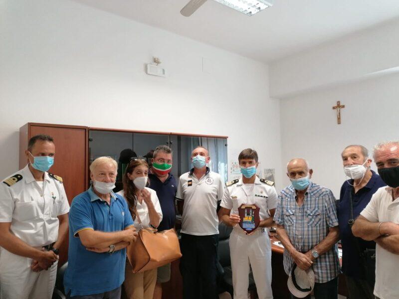 Molfetta (BA) – La Pro Loco Molfetta ringrazia il Capitano di Fregata (C.P.) Michele Burlando